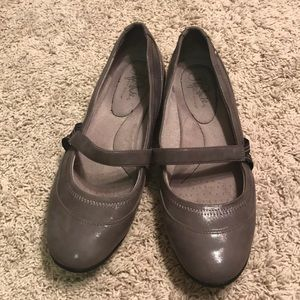 Life Stride shoes size 9